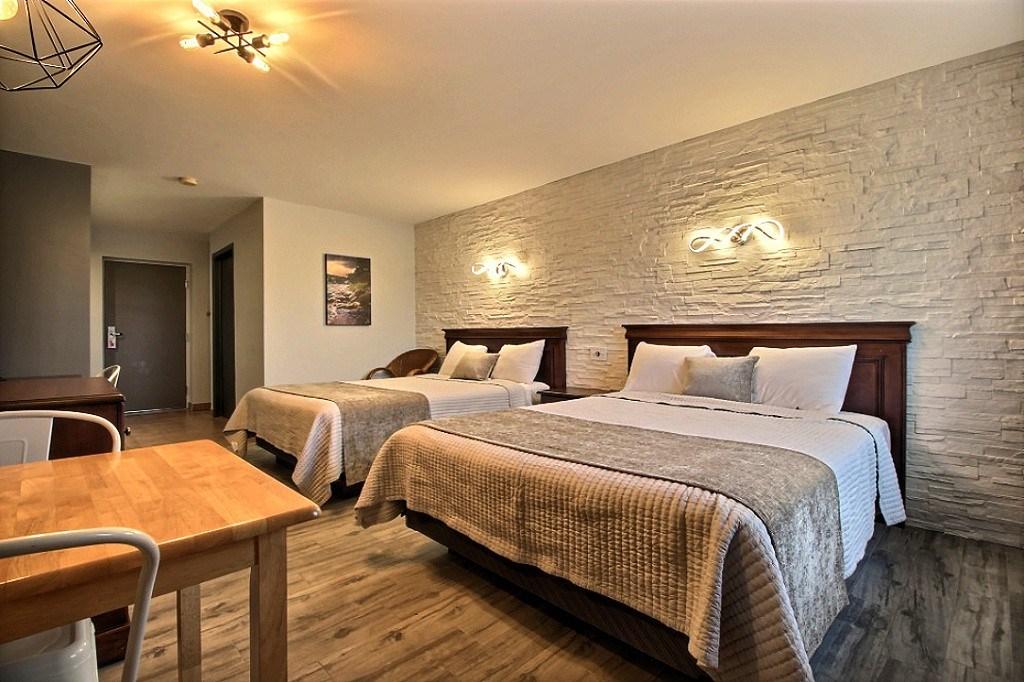 Motel '' Le Quiet'' comptoir_1 (1)